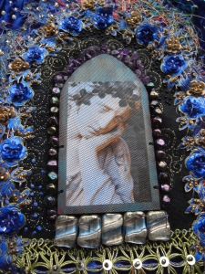 Central panel with tulle