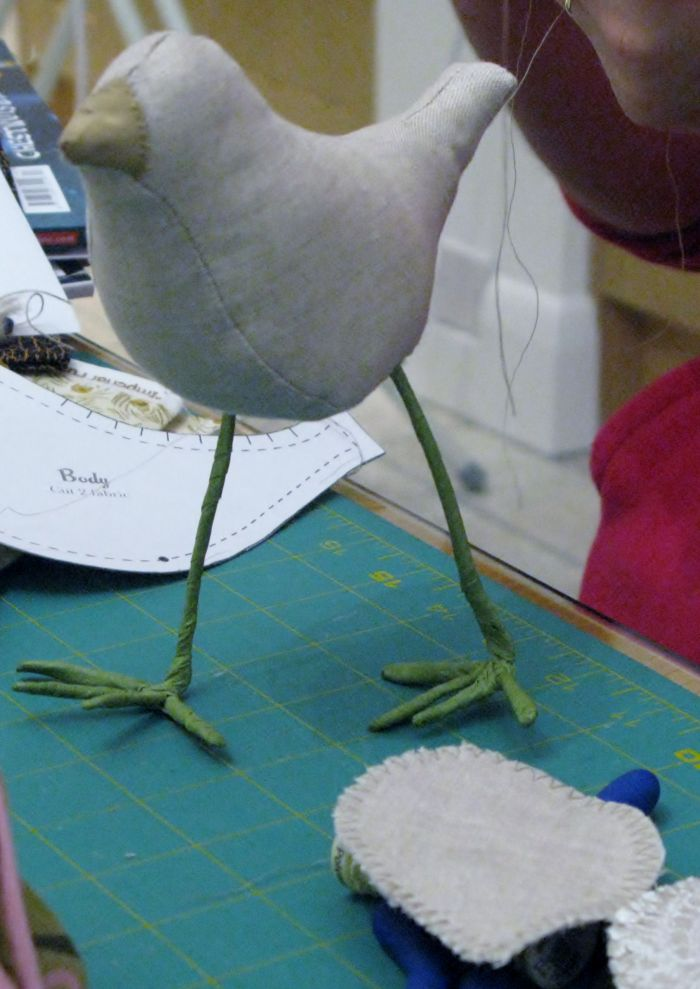 The linen bird - wingless - takes a hike